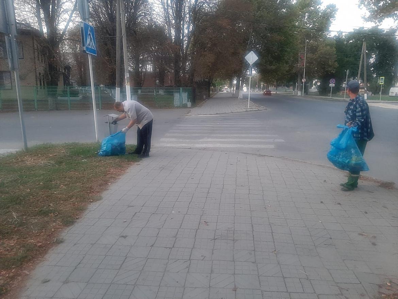 """МБУ """"Город"""" продолжает наводить порядок на улицах Усть-Лабинска"""